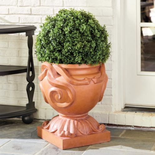 Bunny Williams Parterre Planter