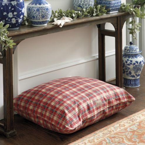 Edward Dog Bed
