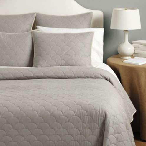 Cora Scalloped Quilt