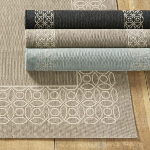 Suzanne Kasler Geometric Circle Border Indoor/Outdoor Rug