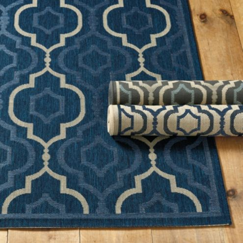 Brookstone Indoor/Outdoor Rug