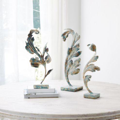 Acanthus Leaf on Stand