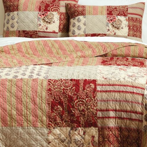 Style Of Drapery To Go With Room With Quilt