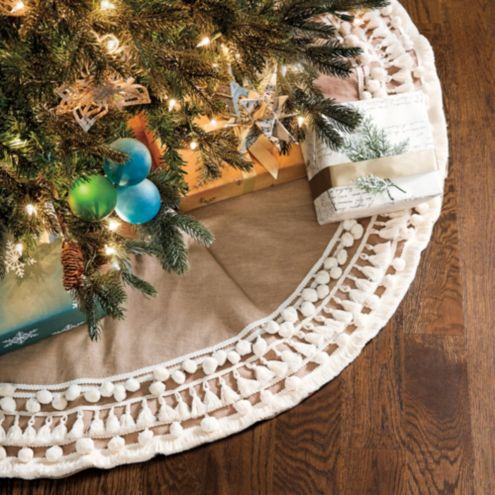 Pippin Fringe Tree Skirt