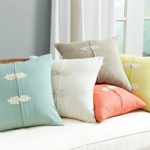 Kiki Frog Knot Pillow Cover