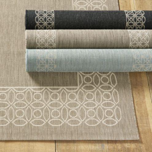 Suzanne kasler geometric circle border indoor outdoor rug for Ballard designs bathroom rugs