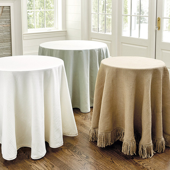 Essential tablecloth