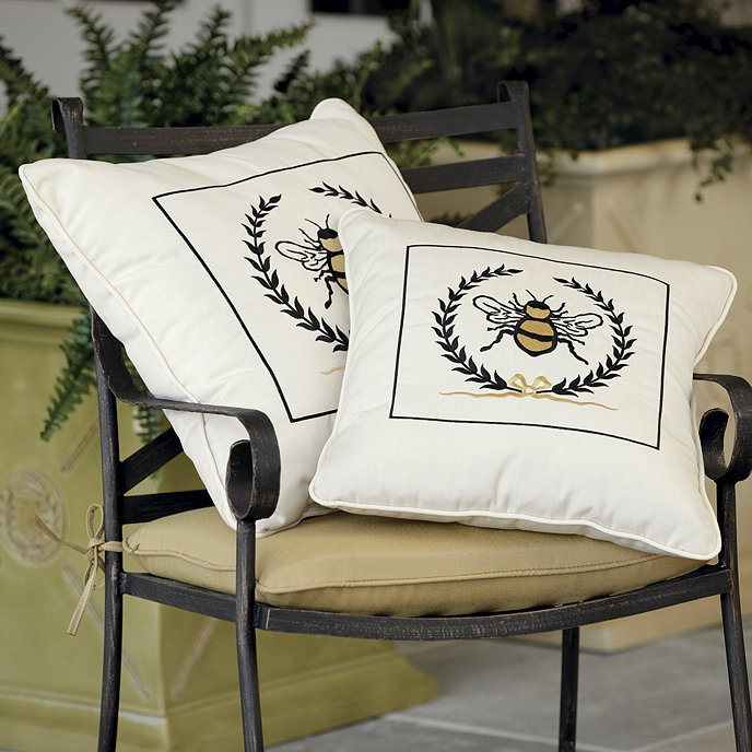 Outdoor Napoleonic Bee Pillow With Border