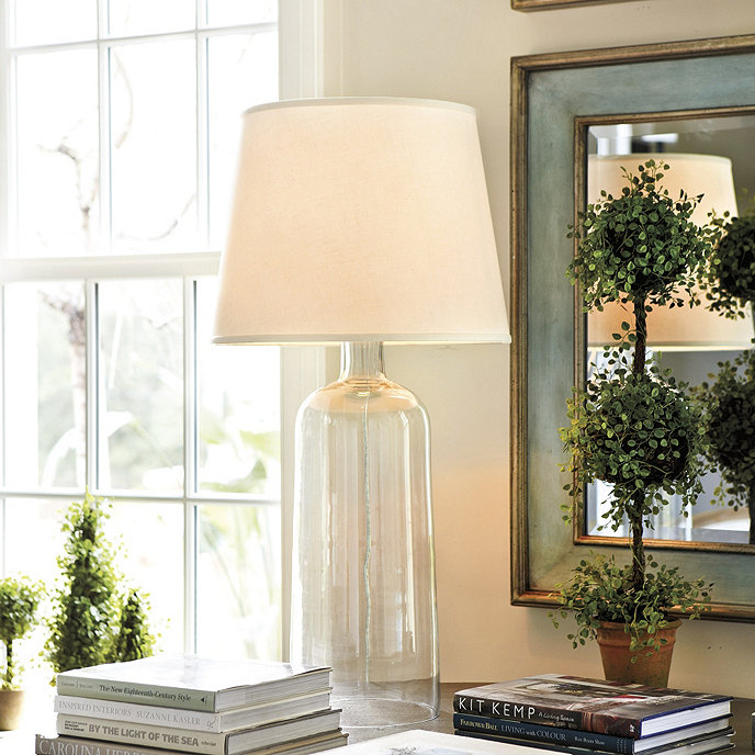 Avery glass table lamp